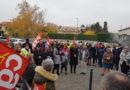 Rassemblement intersyndical à l'URSSSAF Rhone Alpes
